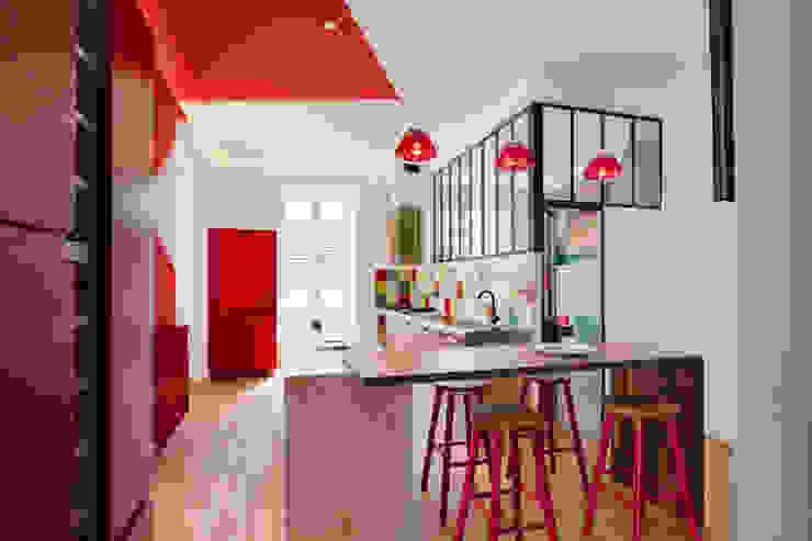 Maison Pop Cuisine moderne par Agence d'architecture intérieure Laurence Faure Moderne