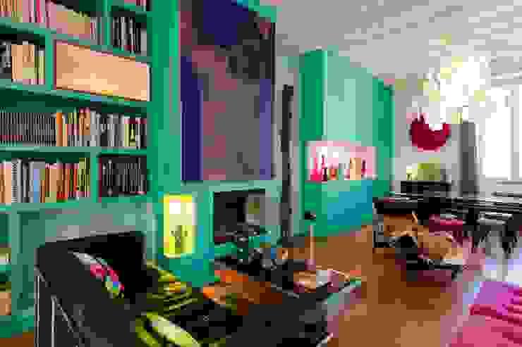 Livings de estilo moderno de Agence d'architecture intérieure Laurence Faure Moderno