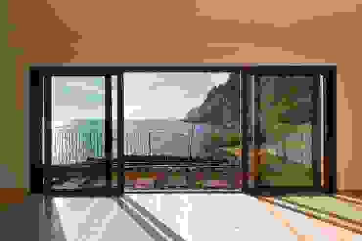 Sala de Estar_Vista mar Hotéis modernos por Mayer & Selders Arquitectura Moderno