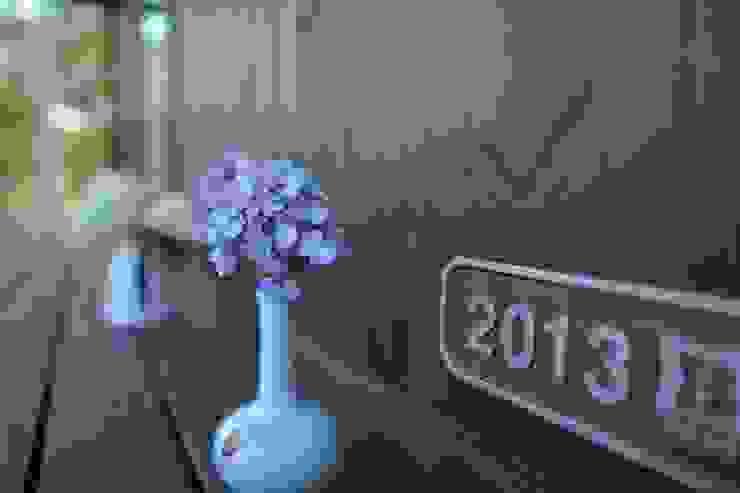 T's Garden Square Co.,Ltd. Asian style houses Wood Blue