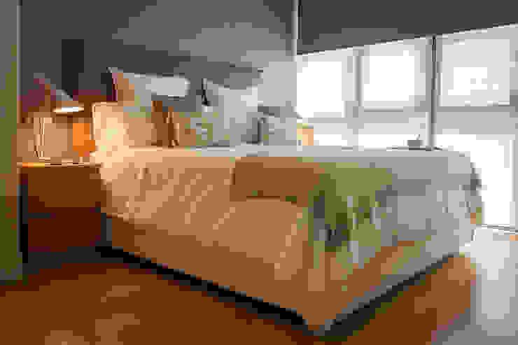 Modern Bedroom by Estibaliz Martín Interiorismo Modern