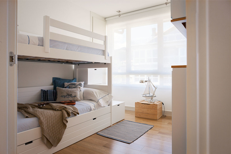 Modern Kid's Room by Estibaliz Martín Interiorismo Modern