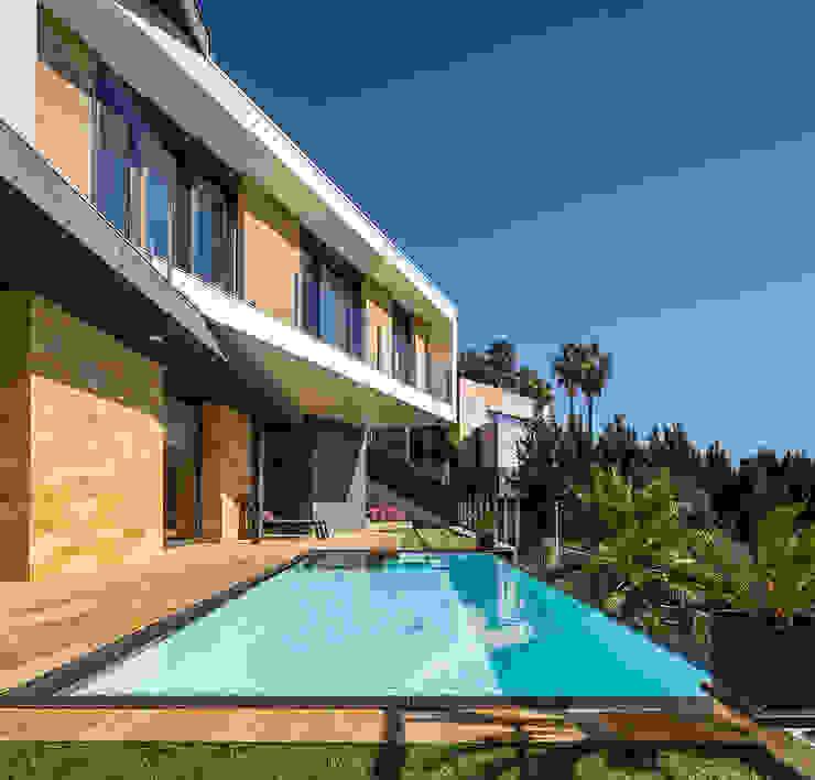 E House - Pool 08023 Architects Piscinas de estilo moderno