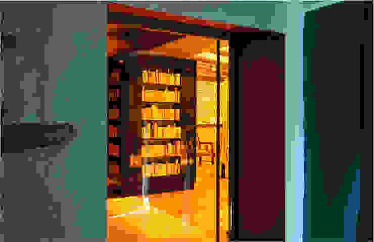 Maison au piano noir Salon moderne par Agence d'architecture intérieure Laurence Faure Moderne