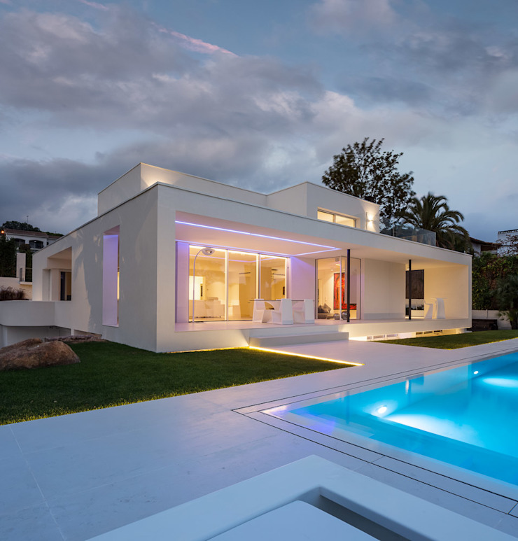 Herrero House - Night view Casas modernas de 08023 Architects Moderno