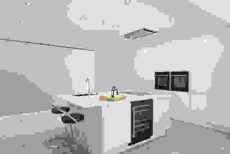 Westfields Lodge Modern kitchen by Orange Design Studio Modern