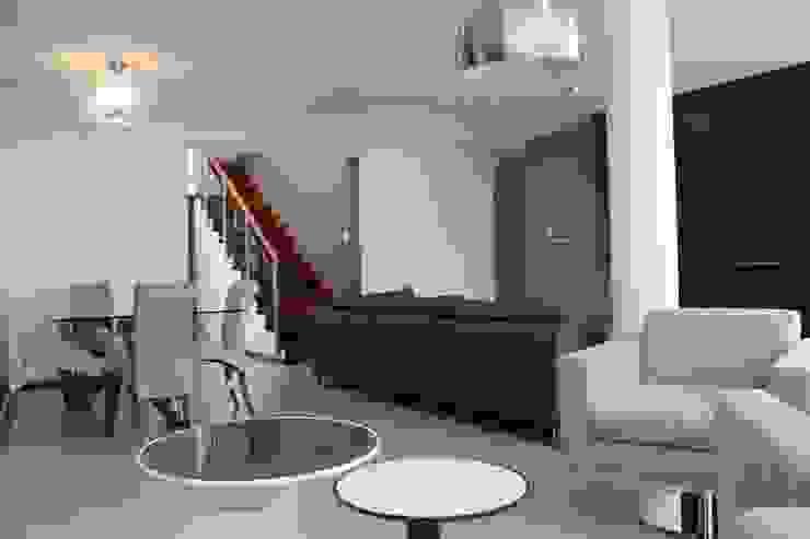 Sala Comedor Estar Livings de estilo minimalista de Soluciones Técnicas y de Arquitectura Minimalista