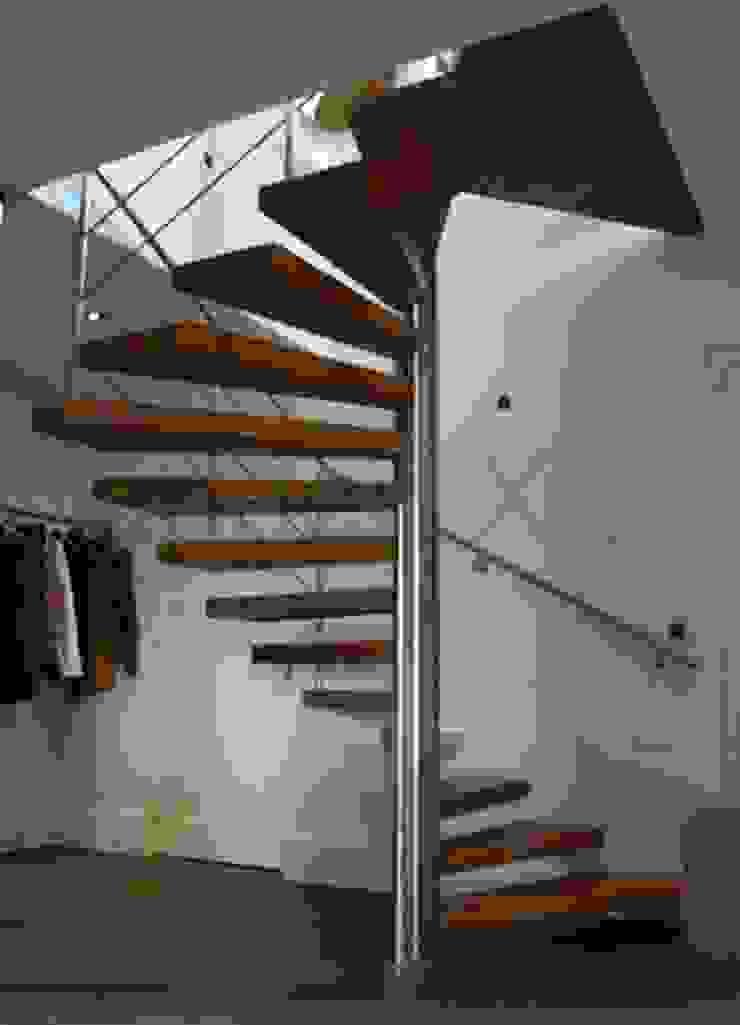 Een bijzonder trappenproject in de provincie Noord Brabant. Klassieke exhibitieruimten van TrappenXL Klassiek Metaal
