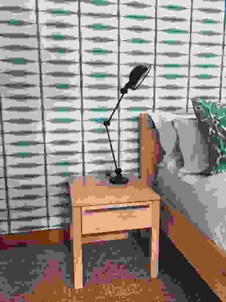 Klassische Schlafzimmer von Margaret Berichon Design Klassisch Massivholz Mehrfarbig