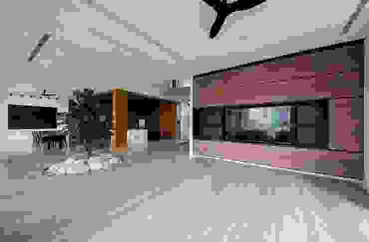 Living room by Eightytwo Pte Ltd, Modern