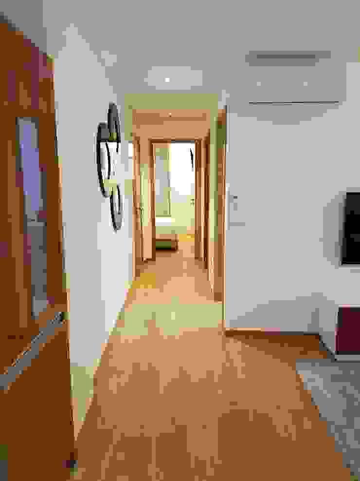Corredor Depois Corredores, halls e escadas ecléticos por Alma Braguesa Furniture Eclético