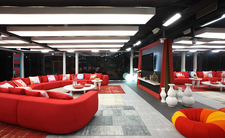 SECRET STORY   CASA DOS SEGREDOS 5 por Tralhão Design Center Moderno