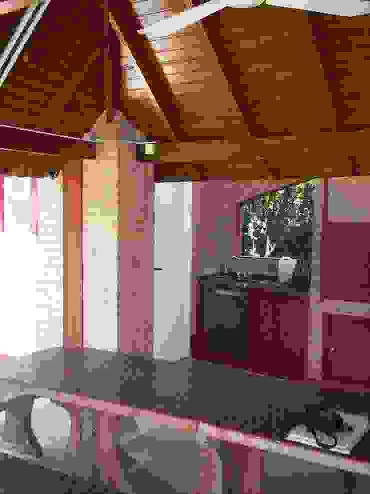 Sector Parrilla y Semicubierto Patricio Galland Arquitectura Casas de estilo ecléctico