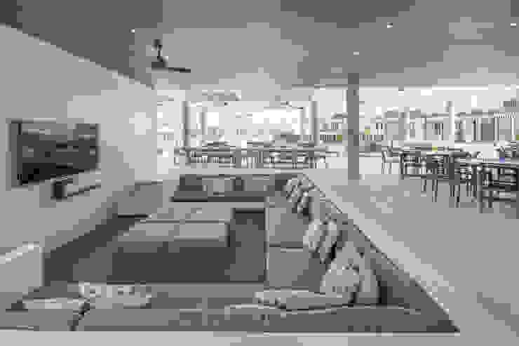 Cosmopolitan Cuernavaca Salones modernos de PHia Moderno