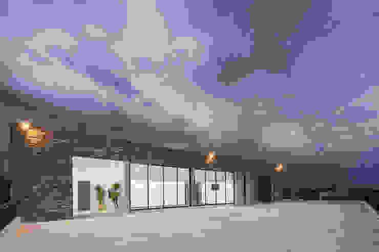 Cosmopolitan Cuernavaca Balcones y terrazas modernos de PHia Moderno