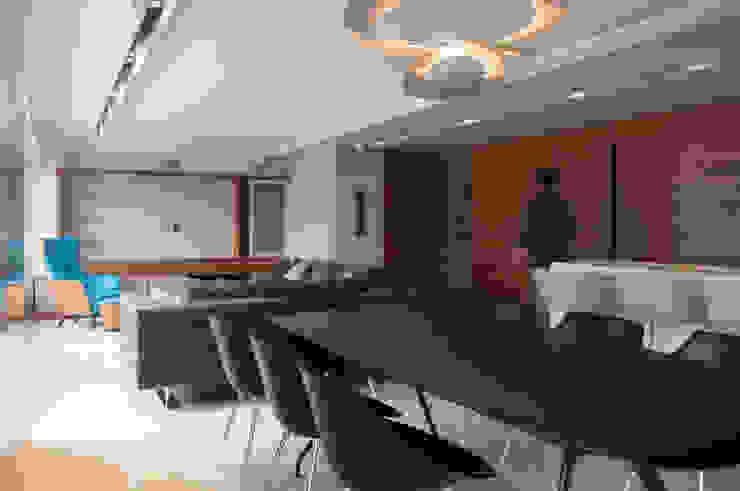 Apartamento Qvadra Sebucán Comedores de estilo moderno de VODO Arquitectos Moderno