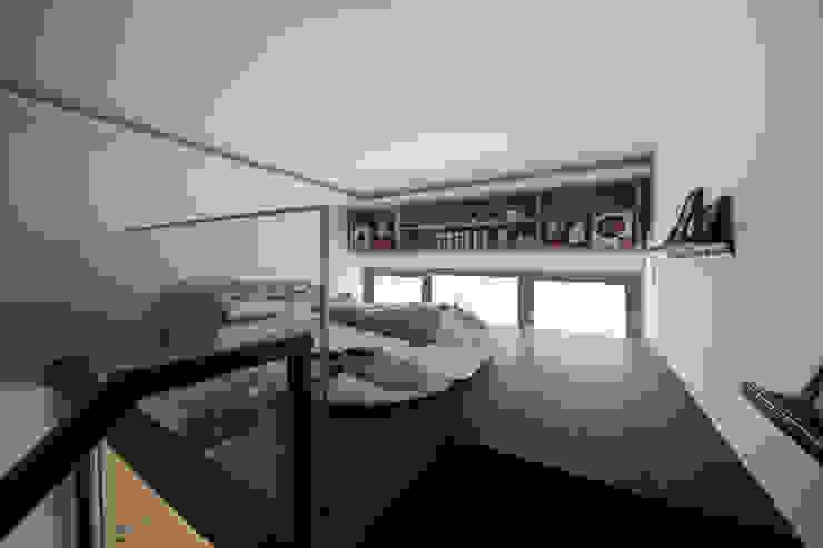 BOATHOUSE RESIDENCES Scandinavian style bedroom by Eightytwo Pte Ltd Scandinavian