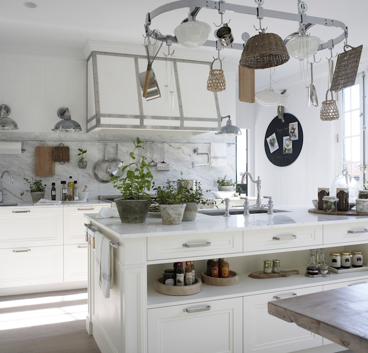 Cocinas de estilo  por DEULONDER arquitectura domestica, Rústico
