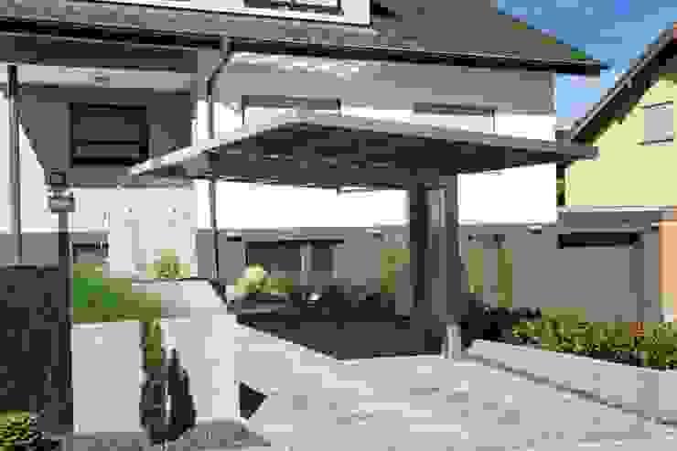 根據 Deutsche Carportfabrik GmbH & Co. KG 現代風 鋁箔/鋅