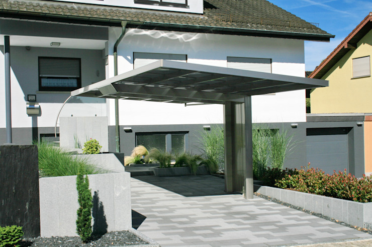 Modern garage/shed by Deutsche Carportfabrik GmbH & Co. KG Modern Aluminium/Zinc