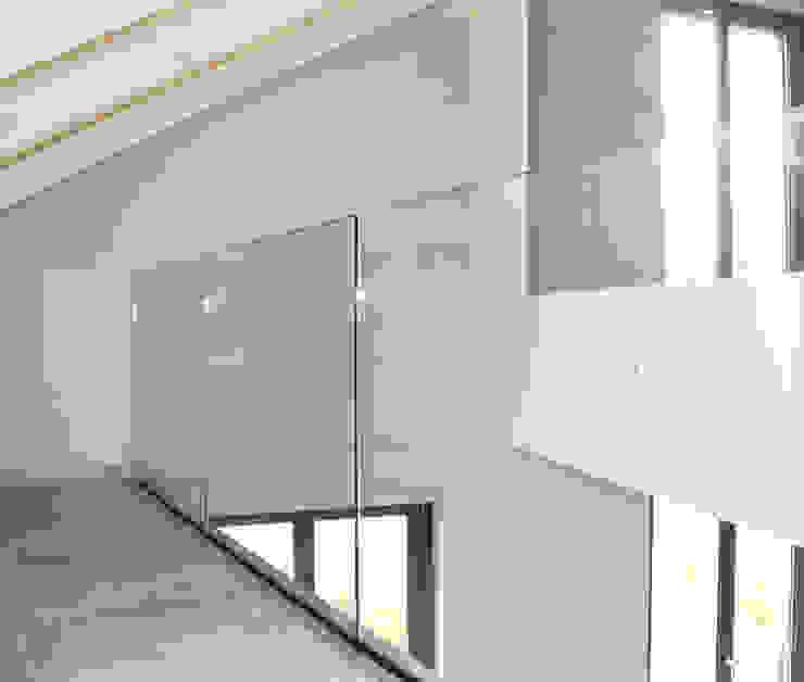 Fabio Ricchezza architetto Modern Study Room and Home Office Glass