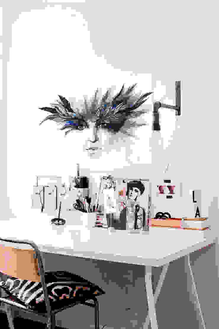 Venetian Mask Pixers Modern study/office