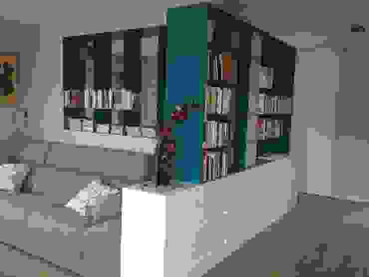 Librerías de chapa de hierro Salas de estilo moderno de CLAU21 INTERIORISMO Y CONSTRUCCIÓN Moderno Hierro/Acero