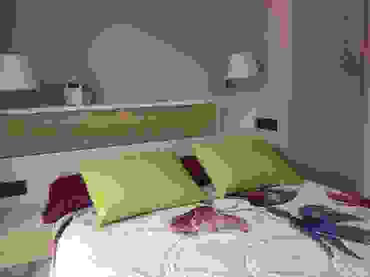 Dormitorio Cuartos de estilo moderno de CLAU21 INTERIORISMO Y CONSTRUCCIÓN Moderno Derivados de madera Transparente