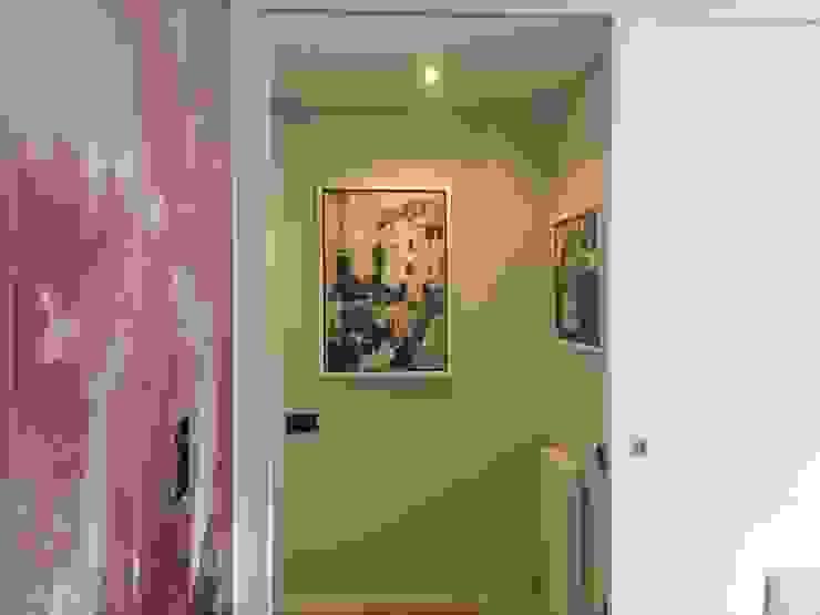Pasillos, vestíbulos y escaleras de estilo moderno de CLAU21 INTERIORISMO Y CONSTRUCCIÓN Moderno