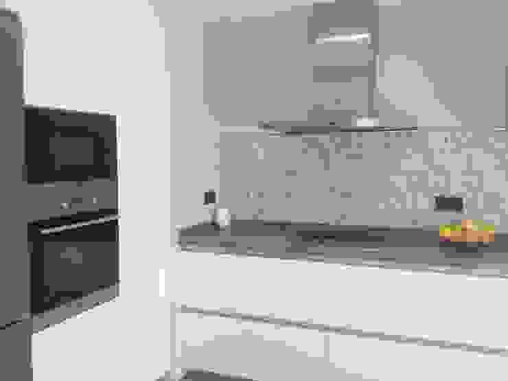 Cocinas de estilo moderno de CLAU21 INTERIORISMO Y CONSTRUCCIÓN Moderno