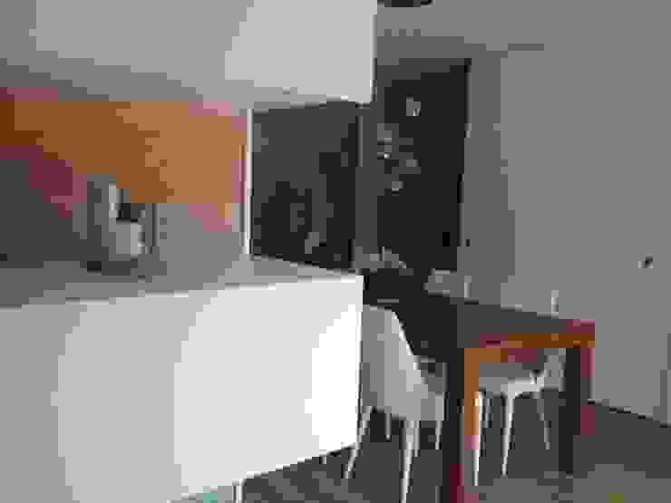 Comedores de estilo moderno de CLAU21 INTERIORISMO Y CONSTRUCCIÓN Moderno