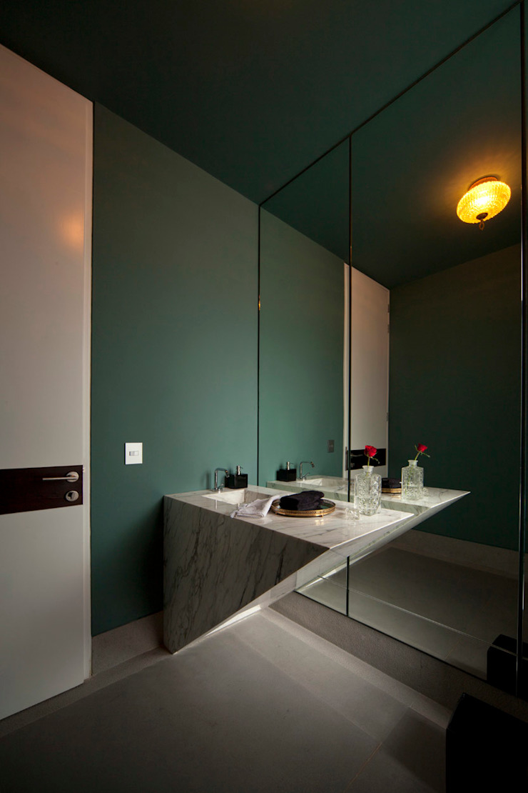 Modern style bathrooms by VMArquitectura Modern