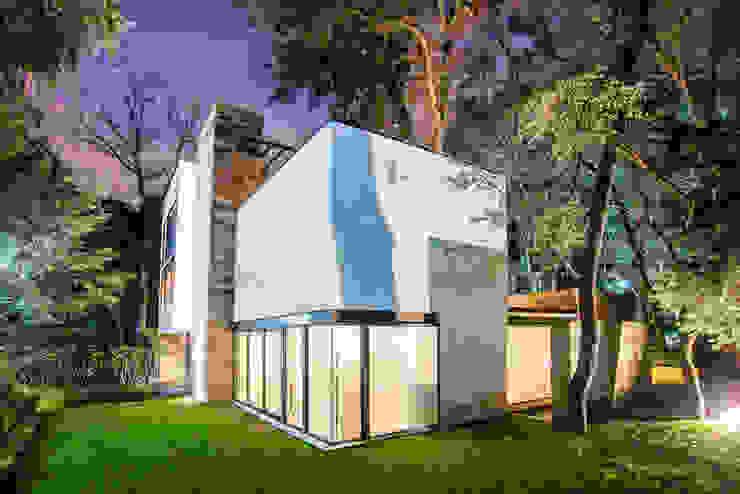 Paseo 82 Casas modernas de Sobrado + Ugalde Arquitectos Moderno