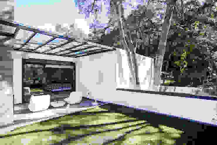 Terrasse de style  par Sobrado + Ugalde Arquitectos,