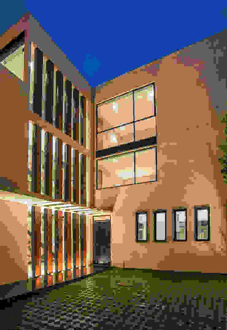 Satélite Casas modernas de Sobrado + Ugalde Arquitectos Moderno