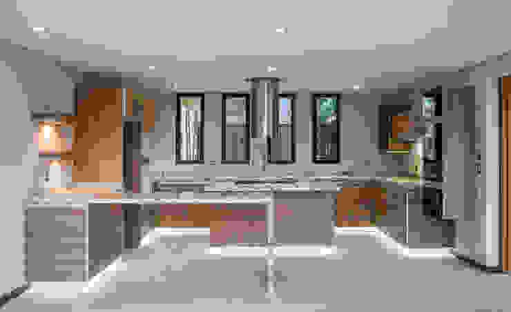 Кухни в . Автор – Sobrado + Ugalde Arquitectos, Модерн