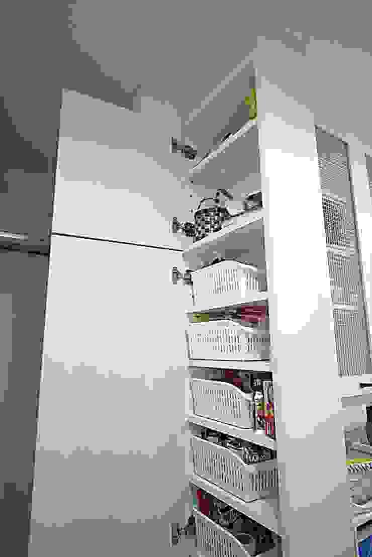株式会社コリーナ Modern kitchen White