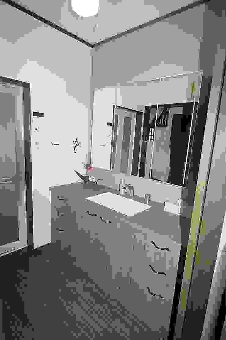 株式会社コリーナ Eclectic style bathroom