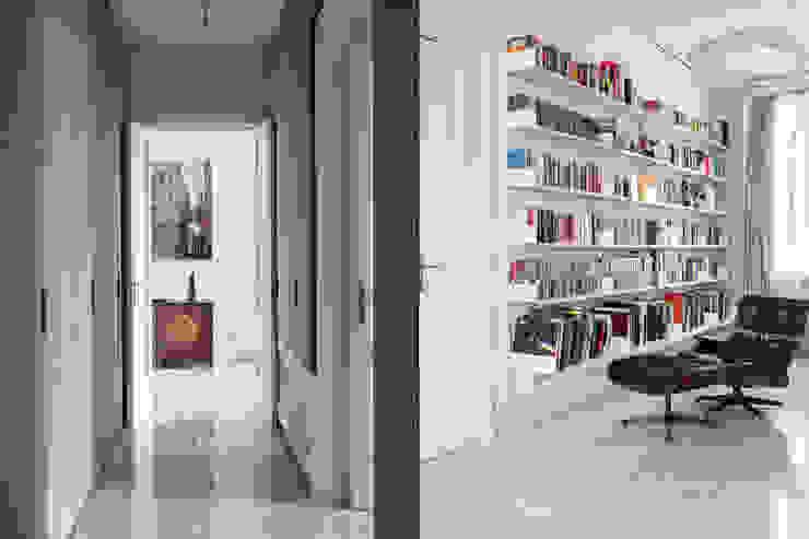 Via Cernuschi – Milan Ingresso, Corridoio & Scale in stile classico di Fabio Azzolina Architetto Classico