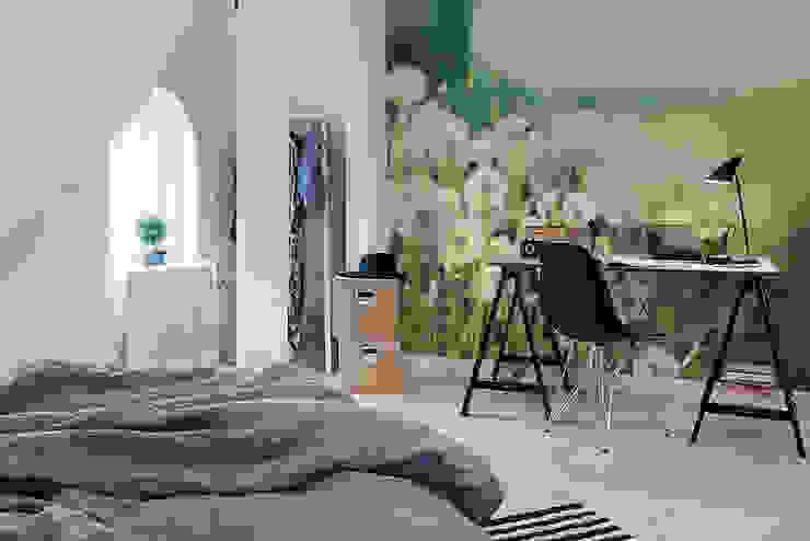 Dandelions Pixers Eclectic style bedroom Green