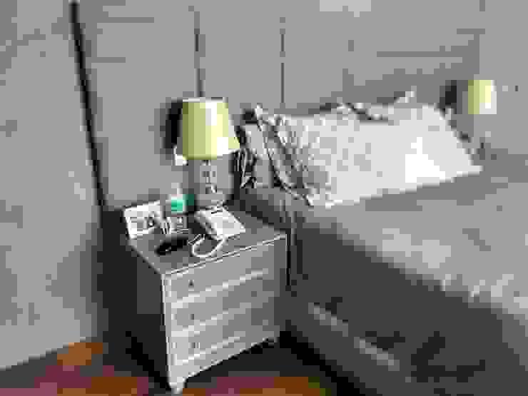 Cabecera con buró y Base para colchon Estilo en muebles DormitoriosCamas y cabeceras Sintético Gris