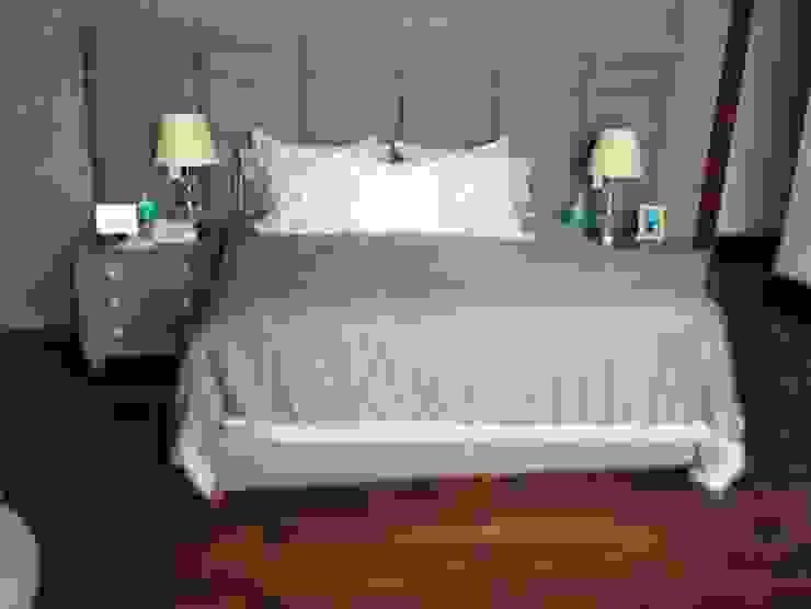 Recamara plano frontal Estilo en muebles DormitoriosCamas y cabeceras Sintético Gris