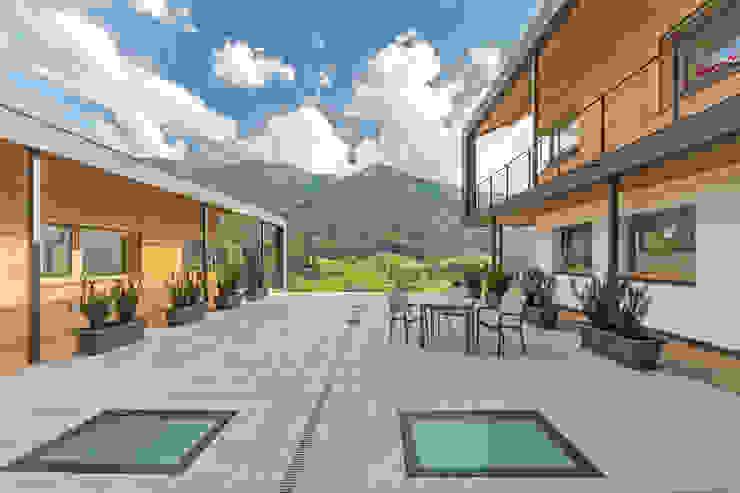Manuel Benedikter Architekt Classic style balcony, porch & terrace