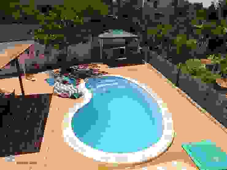 Hồ bơi phong cách Địa Trung Hải bởi custom casa home staging Địa Trung Hải