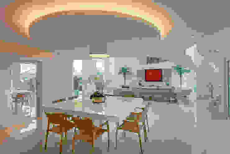 Casa Europa Salas de jantar modernas por Arquiteto Aquiles Nícolas Kílaris Moderno