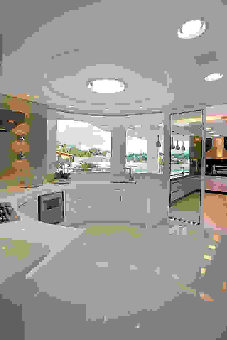 Casa Europa Cozinhas modernas por Arquiteto Aquiles Nícolas Kílaris Moderno