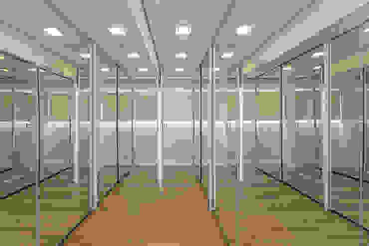 Closets de estilo moderno de Arquiteto Aquiles Nícolas Kílaris Moderno