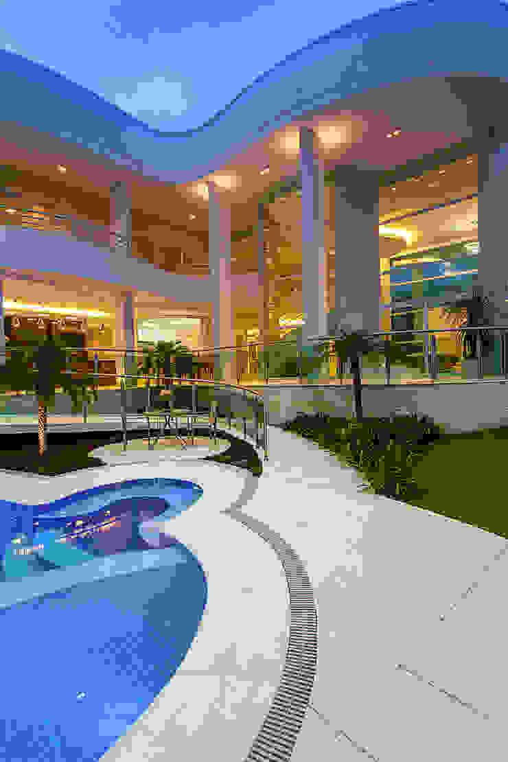 Casas modernas de Arquiteto Aquiles Nícolas Kílaris Moderno