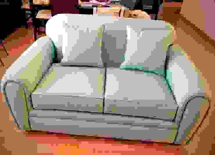 Vista frontal del Love Seat Estilo en muebles
