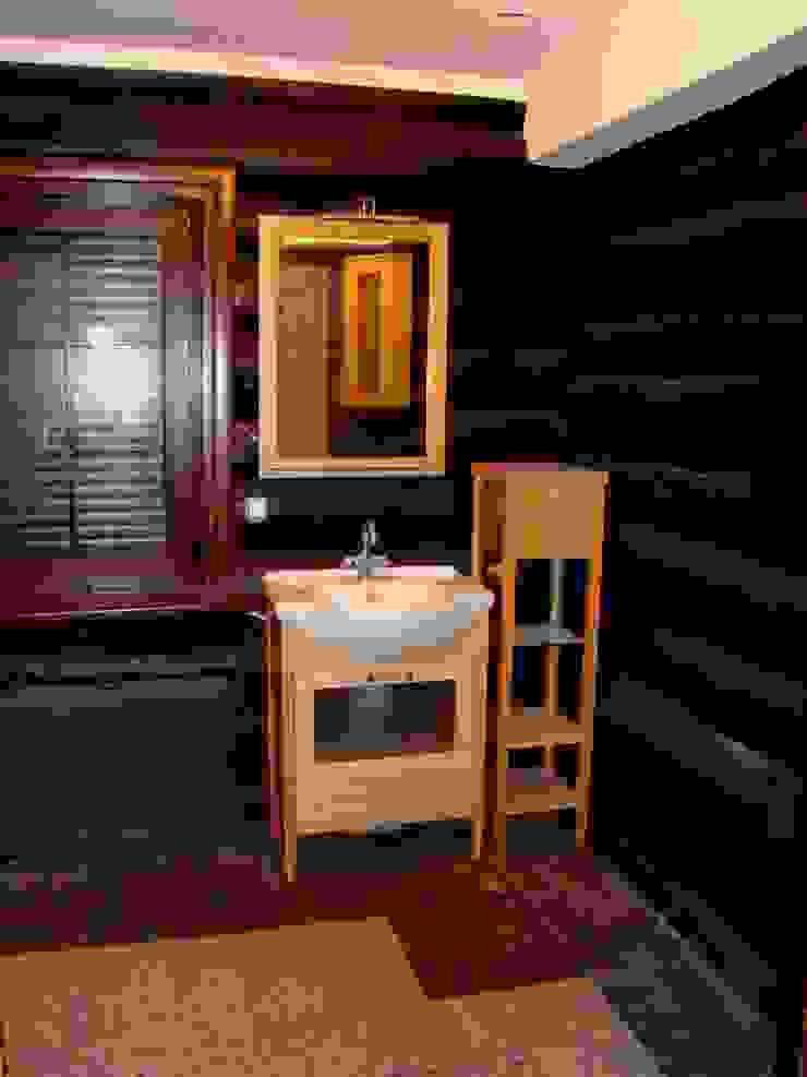CASA DE BANHO Casas de banho rústicas por D O M | Architecture interior Rústico